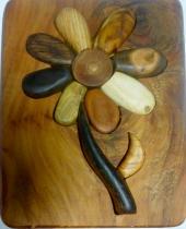 Fleur en bois naturel